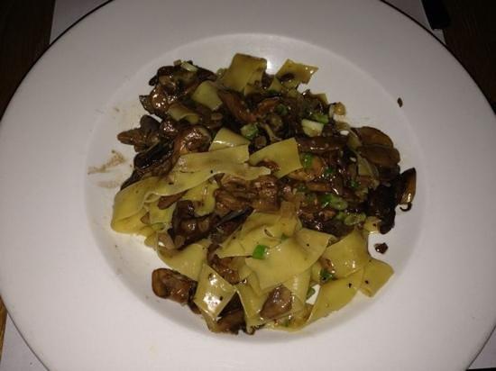 Il Matto: papardelle champignon - nhami!