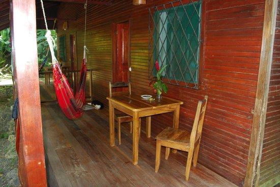Hotel Nirvana by the Sea: Cabin