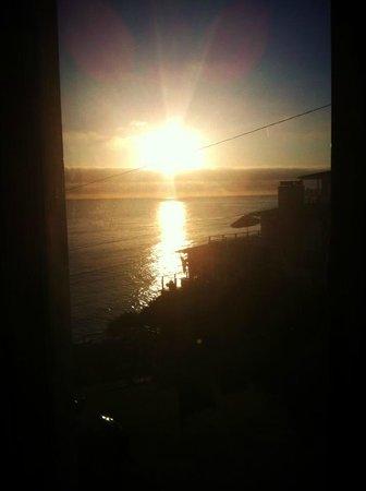 Laguna Riviera Beach Resort: View from 307 window - gorgeous sunset
