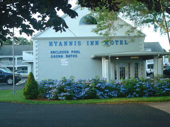 Hyannis Inn Motel: Front of Motel