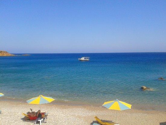 To Votsalo: Il mare visto dalla terrazza della taverna