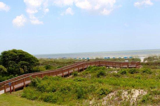 Ocean View at Island Club: Boardwalk to the Beach