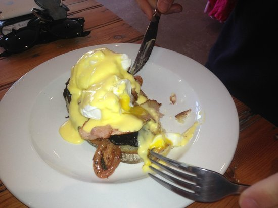 The Eatery Hermanus: Eggs Benedict