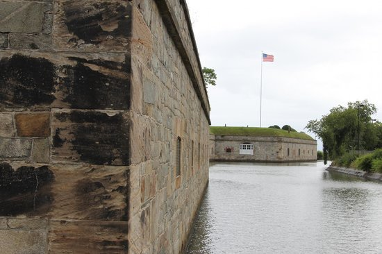 Fort Monroe's Casemate Museum: Outer walls of the fort from the moat