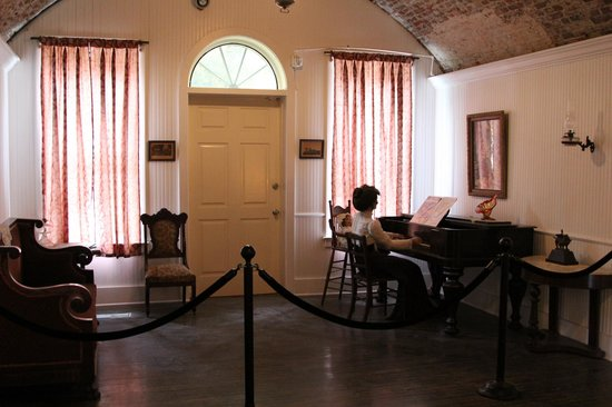 Fort Monroe's Casemate Museum: Casemates as a residence. Showing the entry door