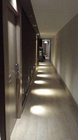 Hotel Catalonia Plaza Mayor : Corredor dos quartos