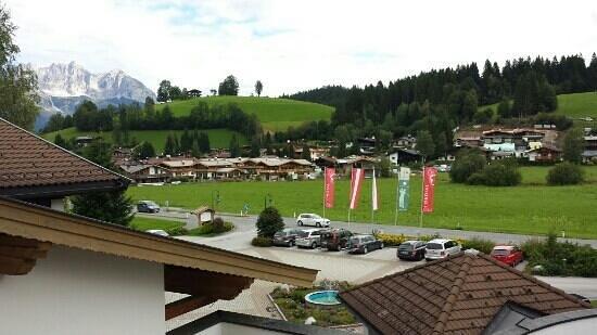 Cordial Golf & Wellness Hotel Reith: Uitzicht vanaf het balkon, voorzijde hotel