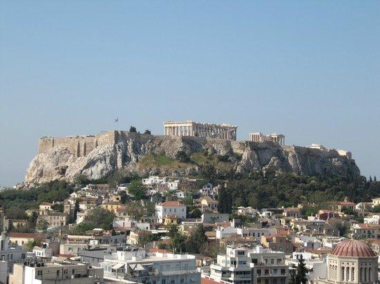 Astor Hotel Athens: Vista de la acópolis desde el hotel