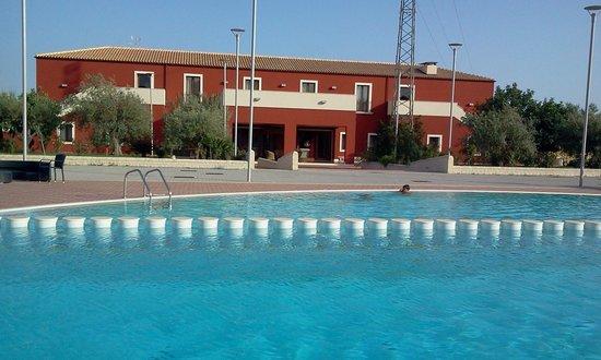 Borgo Don Chisciotte: vista dalla piscina