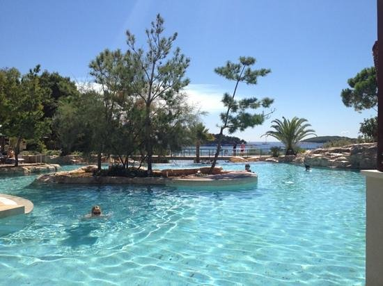 Riva Yacht Harbour Hotel: amfora pool