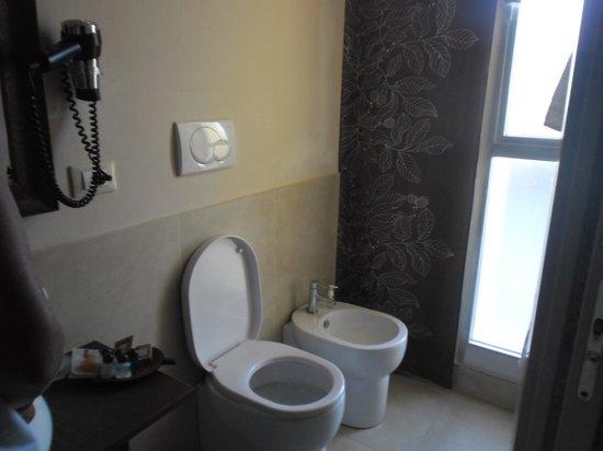 Bagno suite foto di hotel life viserbella tripadvisor - Bagno 46 rimini ...