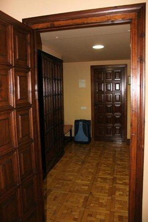 Parador de Tordesillas: Entrada de habitación