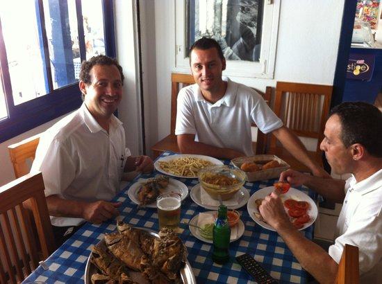 Arrieta, إسبانيا: Culpables de la buena comida