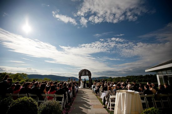 The Garrison - Golf, Restaurant, Events & Inn: The beautiful ceremony site