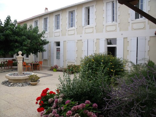 Grand Hotel Des Bains : Hotel courtyard