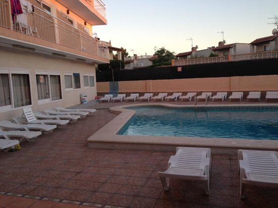 Hostel Anibal: Pool