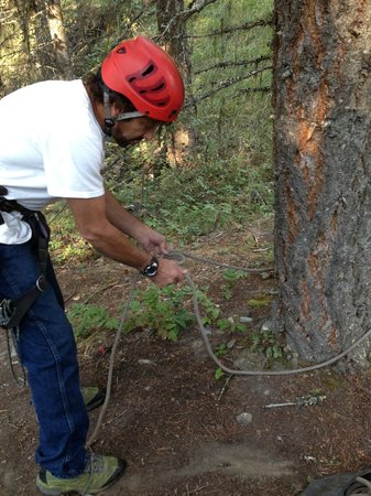 Rock Climb Montana : LInk showing us how to tie an anchor