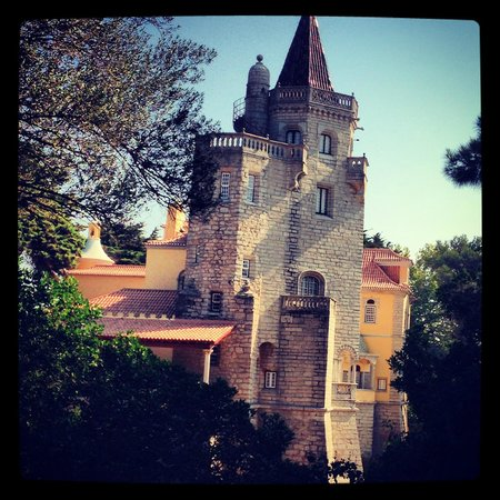 Vila Galé Cascais : View from behind the pool