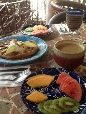 The Bungalows Hotel : Delicious, every morning!