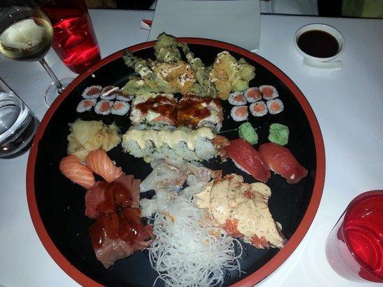 Henssler Henssler: Sushi Platte