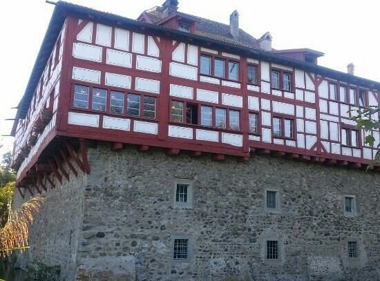 Wasserschloss Hagenwil Restaurant: Schloss Hagenwil