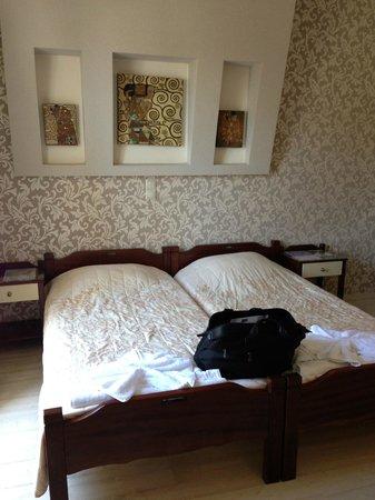 Hotel Spiros: Room