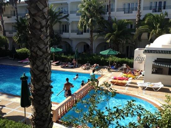 Hotel Emira: last month August 2013