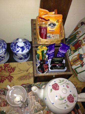 Winforton Court: Tea making gear & goodies