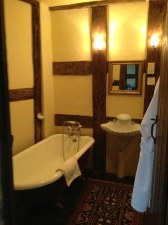 Winforton Court: Bath in the de Montford suite