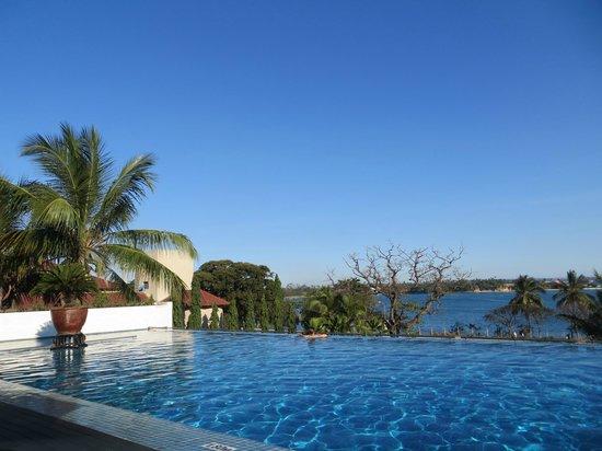Hyatt Regency Dar es Salaam, The Kilimanjaro : pool