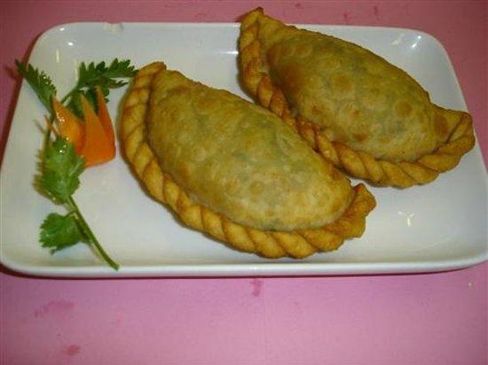 Sanxia Renjia Chinese Restaurant and Karaoke: 韭菜盒子