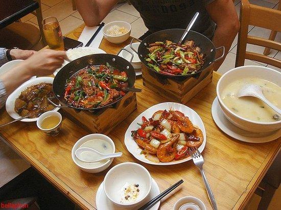 Sanxia Renjia Chinese Restaurant and Karaoke: 4