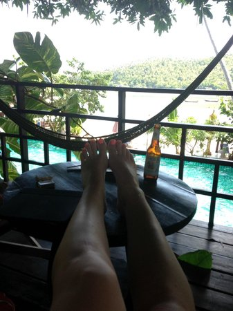 คุ้กกี้สลัด รีสอร์ท: View from Balcony of poolside/beachfront bungalow