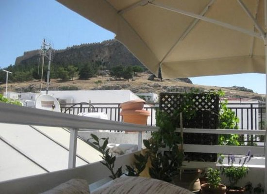 Melia Cafe: View of the Acroplosi from Rooftop