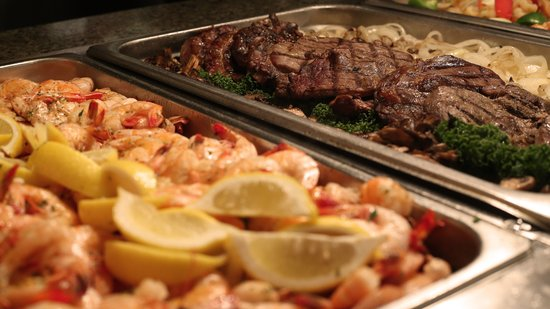 Gumbeaux's Oyster & Sports Bar: The Seven Clans Buffet