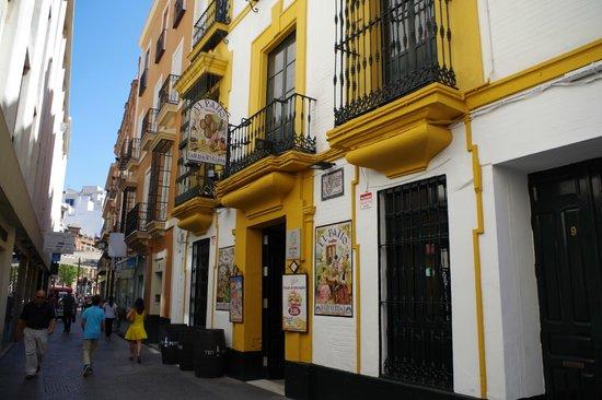 Vista Exterior Fotografia De Patio San Eloy Sevilla Tripadvisor
