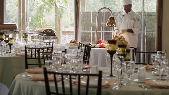 Gumbeaux's Oyster & Sports Bar: Have your next banquet or special event right here!