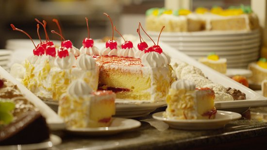 Gumbeaux's Oyster & Sports Bar: Save room for dessert.