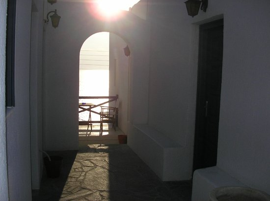 Aegean Hotel: Front of the Rooms
