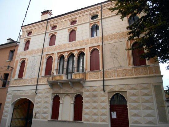 Palazzo dei canarini