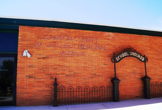 Jim Gatchell Memorial Museum : Outside