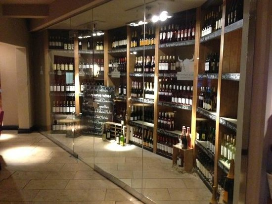 The Old Bull's Head: Wine, wine and more wine