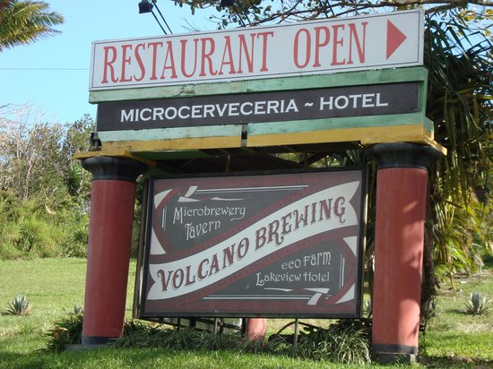 Volcano Brewing Company: Sign from the road
