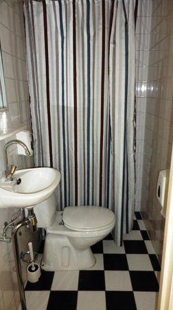 Hotel De Gerstekorrel: bagno stanza non fumatori
