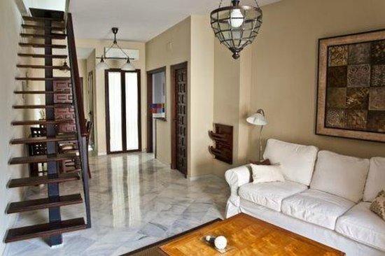 Apartamentos Puerta de San Esteban: Salón comedor duplex con sofá cama