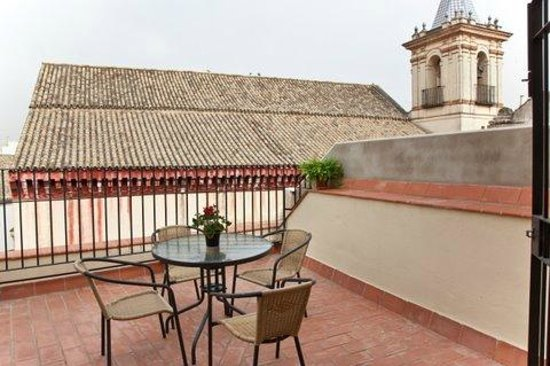 Apartamentos Puerta de San Esteban: Terraza dormitorio duplex