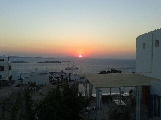 Damianos Hotel : amanecer desde el hotel