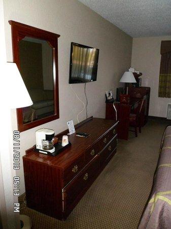 Super 8 Green Bay I-43 Bus. Park: Room