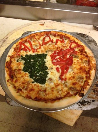 Aliano's Ristorante: Pizza's are homemade!!!