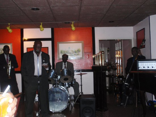 Blue Lagoon Seafood Restaurant : The Band